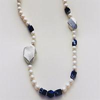 Lange Halskette – Süßwasserzuchtperlen, Silber, Sodalith