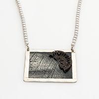 "Collier ""Sonnenregen"" – Süßwasserzuchtperlen, Silber, Fundstück, Grafikausschnitt (K. Pietschmann)"